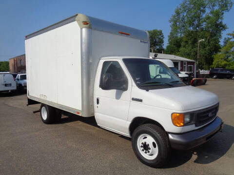 2007 Ford E-Series Chassis for sale at King Cargo Vans Inc. in Savage MN
