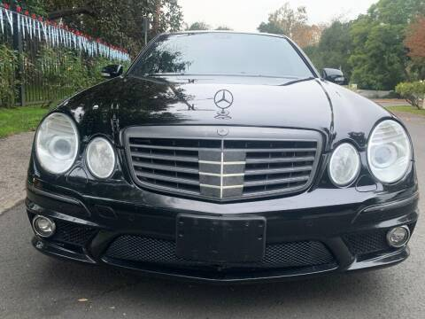 2009 Mercedes-Benz E-Class for sale at Car Lanes LA in Valley Village CA