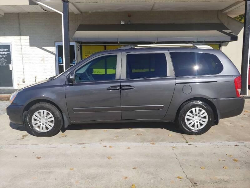 2012 Kia Sedona for sale at Family Auto Sales of Johnson City in Johnson City TN