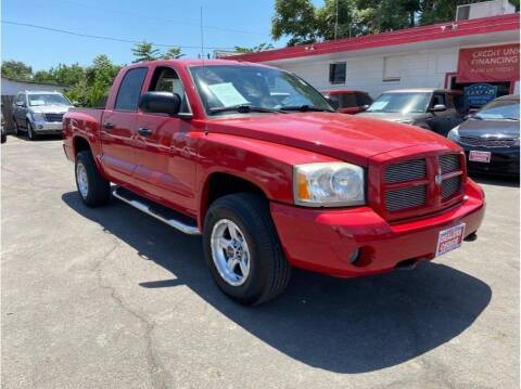 2006 Dodge Dakota for sale at Dealers Choice Inc in Farmersville CA