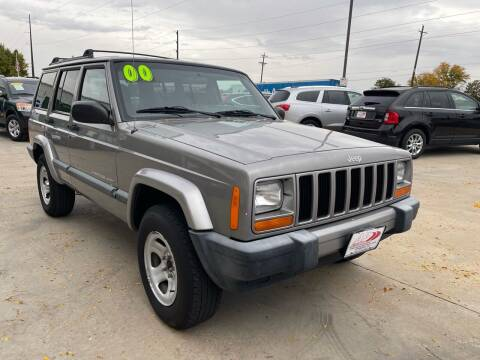 2000 Jeep Cherokee for sale at AP Auto Brokers in Longmont CO