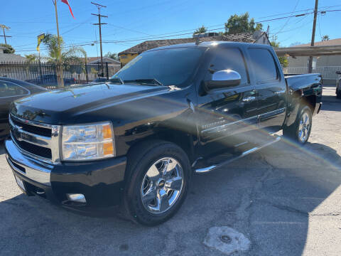 2011 Chevrolet Silverado 1500 for sale at JR'S AUTO SALES in Pacoima CA