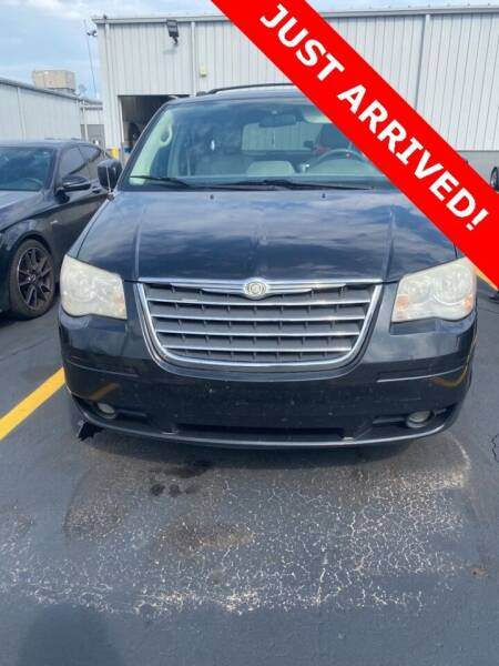 2009 Chrysler Town and Country for sale at MATTHEWS HARGREAVES CHEVROLET in Royal Oak MI