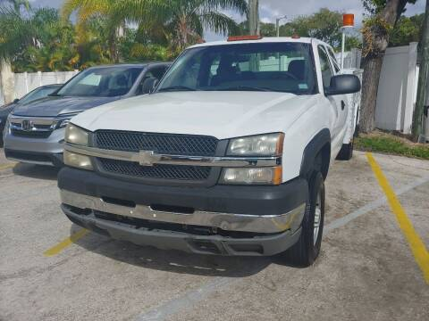 2004 Chevrolet Silverado 2500HD for sale at Autos by Tom in Largo FL