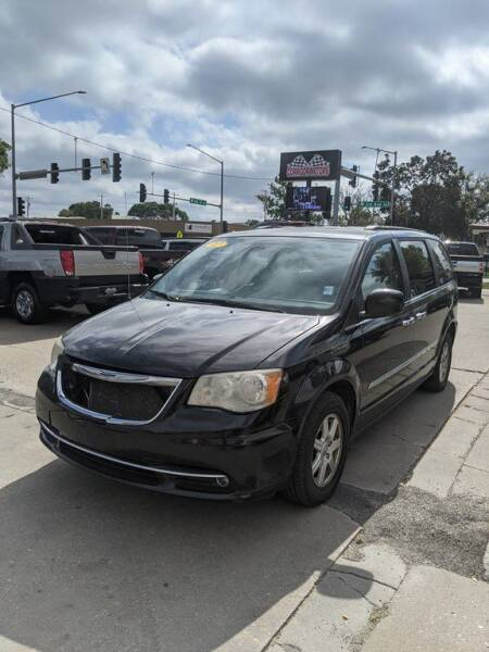 2012 Chrysler Town and Country for sale at Corridor Motors in Cedar Rapids IA