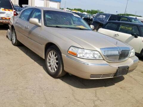 2006 Lincoln Town Car for sale at LAKE CITY AUTO SALES in Forest Park GA