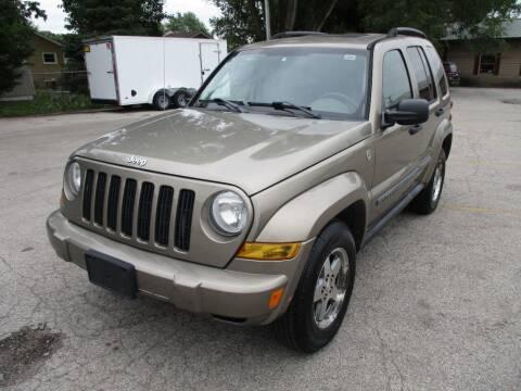 2005 Jeep Liberty for sale at RJ Motors in Plano IL