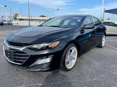 2019 Chevrolet Malibu for sale at SOLID MOTORS LLC in Garland TX