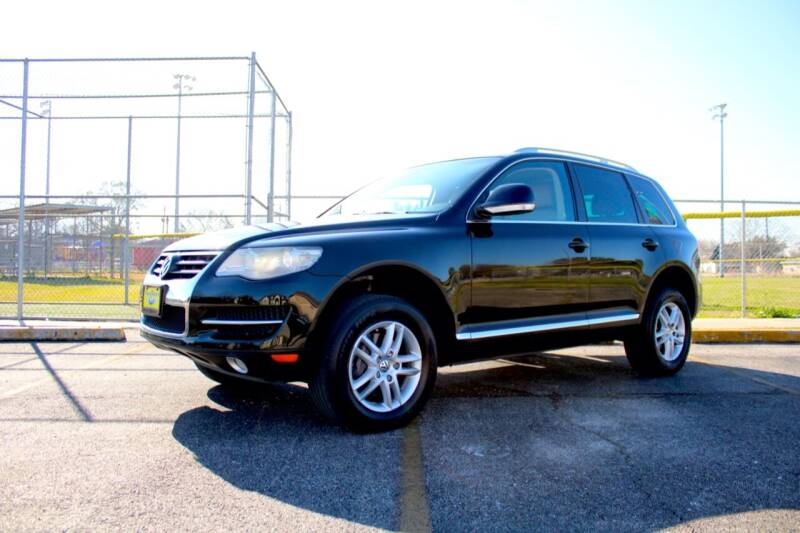 2009 Volkswagen Touareg for sale at MEGA MOTORS in South Houston TX