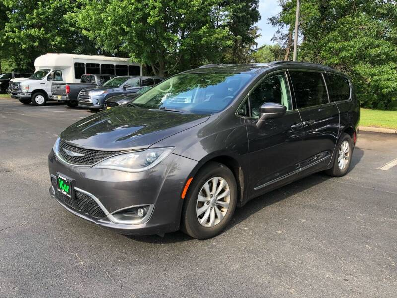2017 Chrysler Pacifica for sale at iCar Auto Sales in Howell NJ