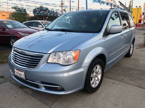 2013 Chrysler Town and Country for sale at Plaza Auto Sales in Los Angeles CA