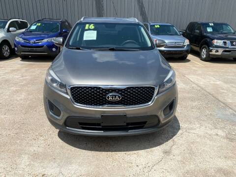2016 Kia Sorento for sale at SOUTHWAY MOTORS in Houston TX