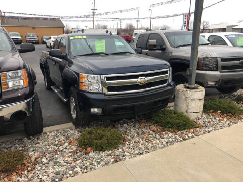2008 Chevrolet Suburban for sale at American Auto Group LLC in Saginaw MI