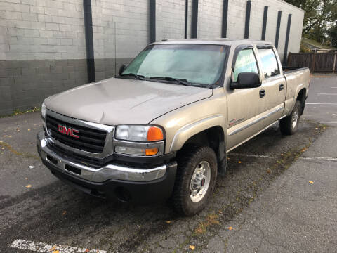 2003 GMC Sierra 2500HD for sale at APX Auto Brokers in Lynnwood WA