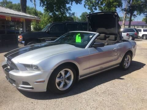 2014 Ford Mustang for sale at Antique Motors in Plymouth IN