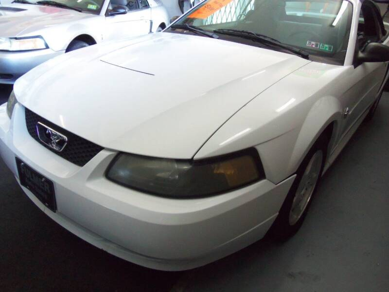 2004 Ford Mustang Deluxe 2dr Convertible - Easton PA