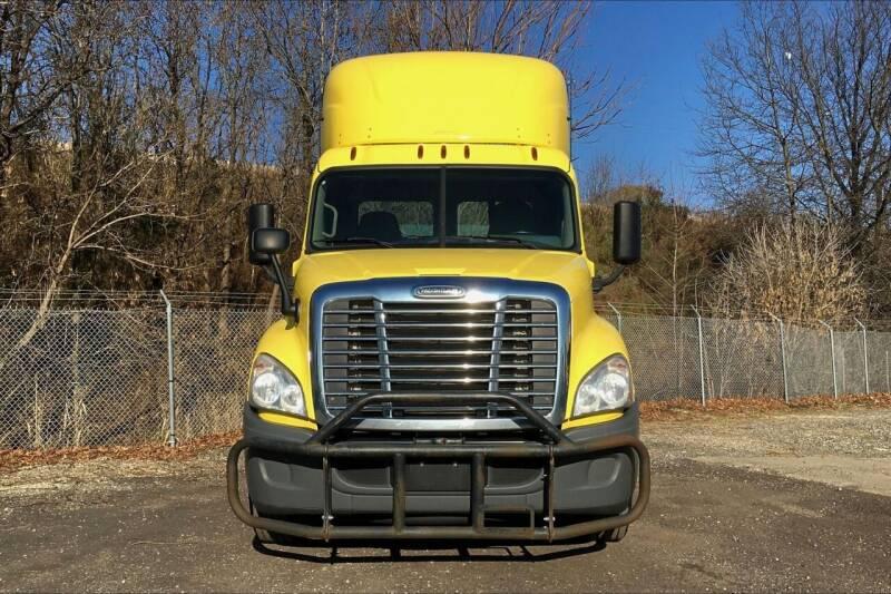 2016 Freightliner Cascadia for sale in Philadelphia, PA