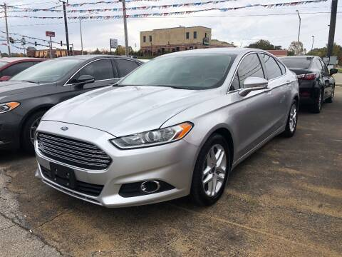 2014 Ford Fusion for sale at Greg's Auto Sales in Poplar Bluff MO