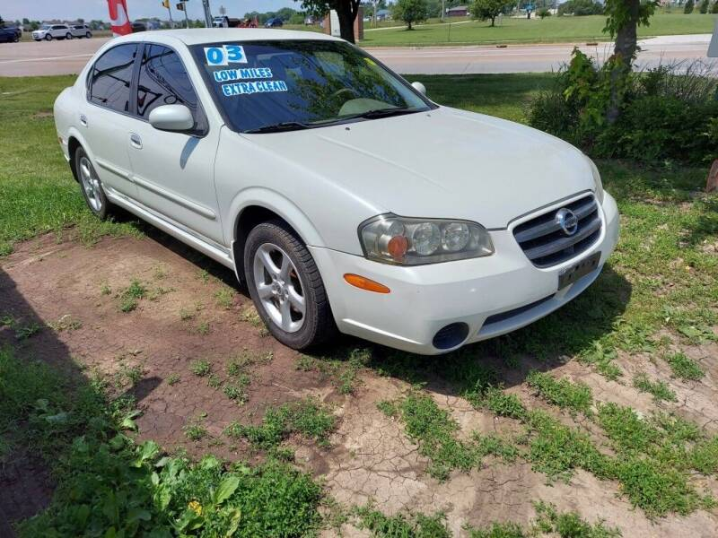 2003 Nissan Maxima for sale at Car Connection in Yorkville IL