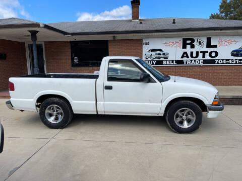 2000 Chevrolet S-10 for sale at R & L Autos in Salisbury NC