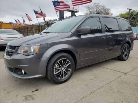 2017 Dodge Grand Caravan for sale at Gus's Used Auto Sales in Detroit MI
