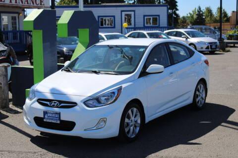 2013 Hyundai Accent for sale at BAYSIDE AUTO SALES in Everett WA