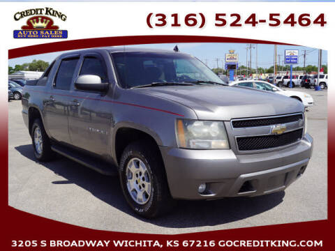 2007 Chevrolet Avalanche for sale at Credit King Auto Sales in Wichita KS