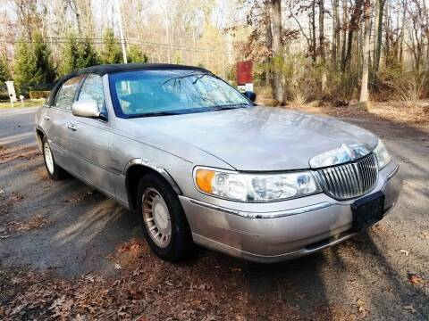 2001 Lincoln Town Car for sale at Bricktown Motors in Brick NJ