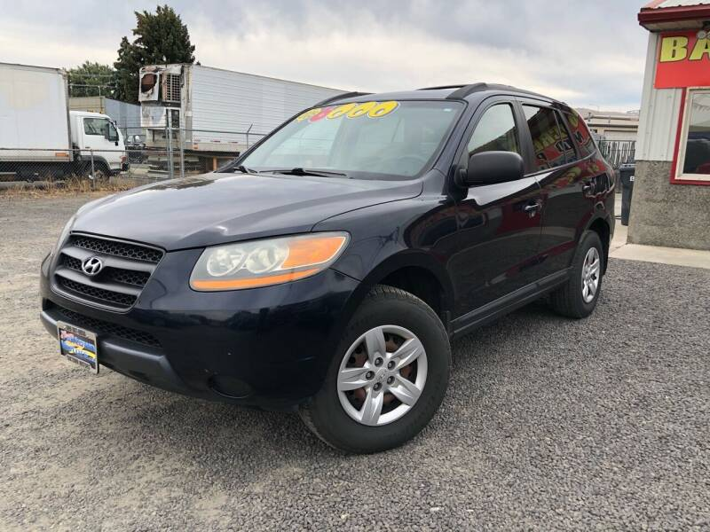 2009 Hyundai Santa Fe for sale at Yaktown Motors in Union Gap WA