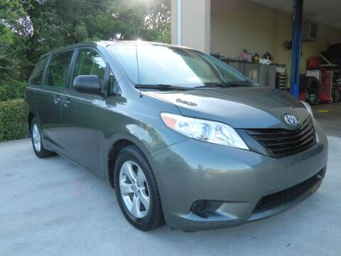2013 Toyota Sienna for sale at Jeff's Auto Sales & Service in Port Charlotte FL