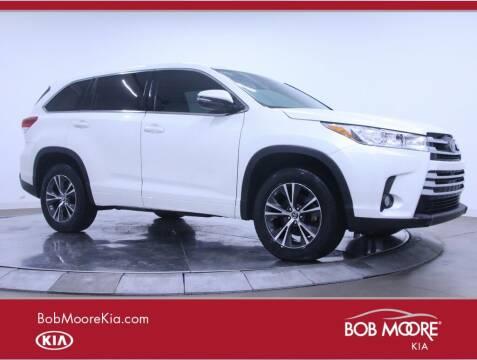 2017 Toyota Highlander for sale at Bob Moore Kia in Oklahoma City OK
