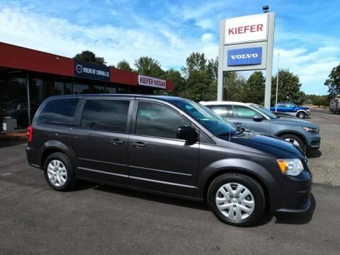 2016 Dodge Grand Caravan for sale at Kiefer Nissan Budget Lot in Albany OR