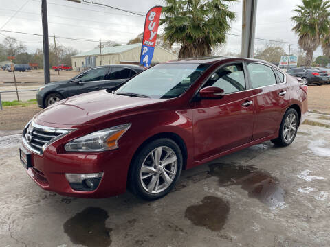 2013 Nissan Altima for sale at M & M Motors in Angleton TX