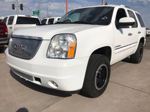 2007 GMC Yukon for sale at Town and Country Motors in Mesa AZ