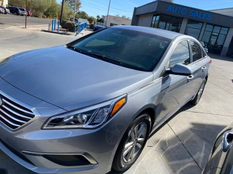 2017 Hyundai Sonata for sale at TANQUE VERDE MOTORS in Tucson AZ