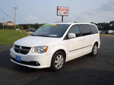 2015 Dodge Grand Caravan for sale at Fox River Auto Sales in Princeton WI