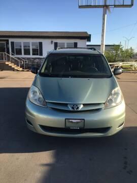 2007 Toyota Sienna for sale at Zoom Auto Sales in Oklahoma City OK