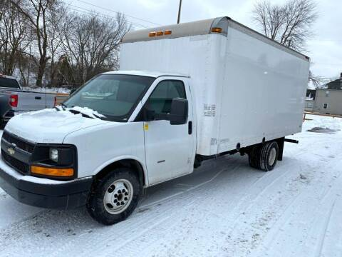 2014 Chevrolet Express Cutaway for sale at AH Ride & Pride Auto Group in Akron OH