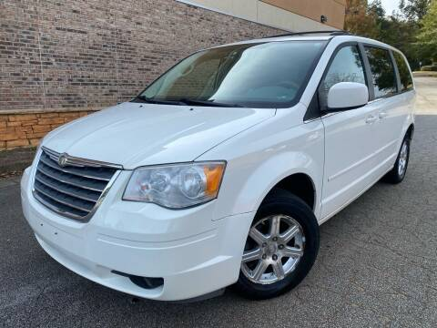 2008 Chrysler Town and Country for sale at Gwinnett Luxury Motors in Buford GA