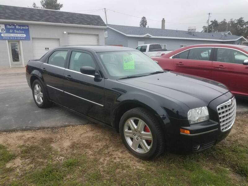 2006 Chrysler 300 for sale at D AND D AUTO SALES AND REPAIR in Marion WI