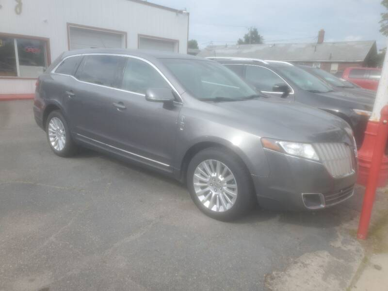 2010 Lincoln MKT for sale in Wayne, MI