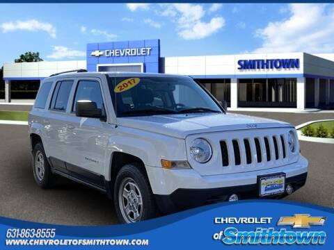 2017 Jeep Patriot for sale at CHEVROLET OF SMITHTOWN in Saint James NY