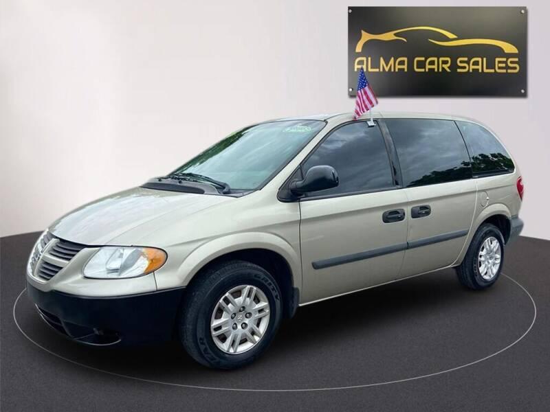 2006 Dodge Caravan for sale at Alma Car Sales in Miami FL