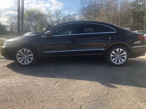 2010 Volkswagen CC for sale at Monroe Auto's, LLC in Parsons TN