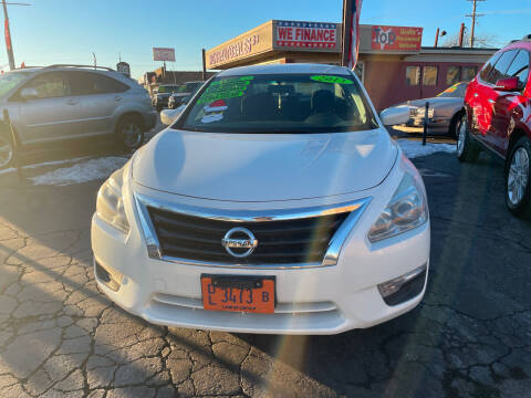 2013 Nissan Altima for sale at RON'S AUTO SALES INC in Cicero IL