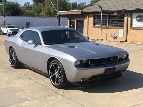 1900 Dodge Challenger for sale at Safeen Motors in Garland TX
