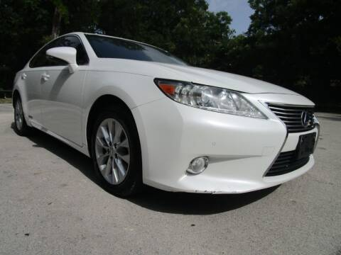 2013 Lexus ES 300h for sale at Thornhill Motor Company in Lake Worth TX