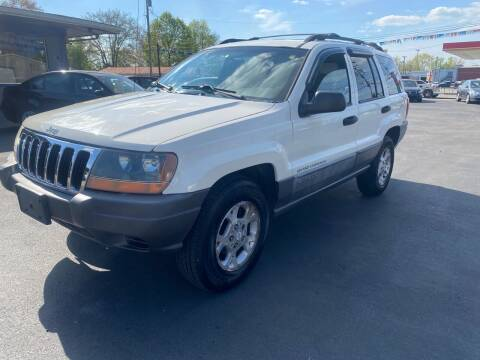 2001 Jeep Grand Cherokee for sale at Wise Investments Auto Sales in Sellersburg IN