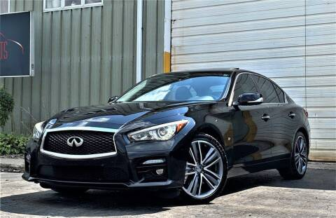 2014 Infiniti Q50 for sale at Haus of Imports in Lemont IL
