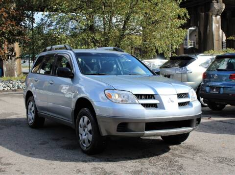 2005 Mitsubishi Outlander for sale at Cutuly Auto Sales in Pittsburgh PA